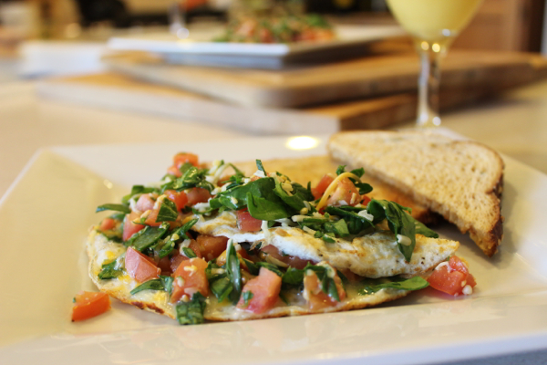 low calorie spinach tomato omelet