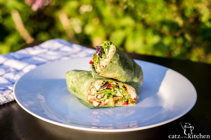 BBQ Chicken Wraps | Catz in the Kitchen | catzinthekitchen.com #wrap