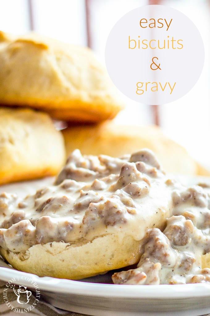 Easy Biscuits & Gravy | Catz in the Kitchen | catzinthekitchen.com | #Gravy #Recipe #Breakfast #Biscuits