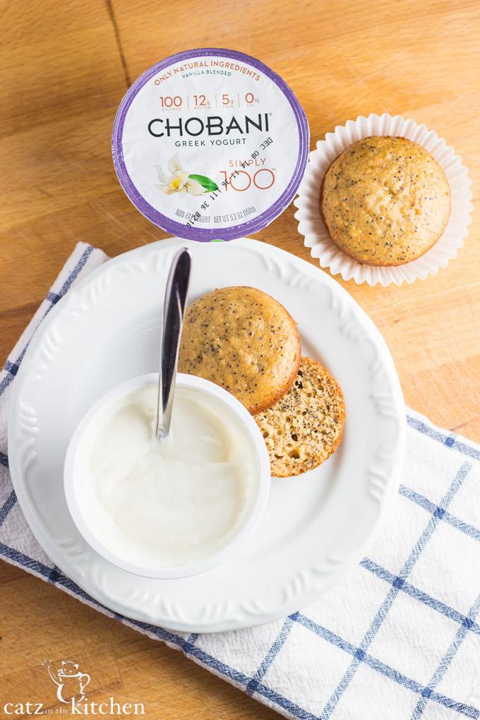 Healthier Poppyseed Muffins| Catz in the Kitchen | catzinthekitchen.com | #greekyogurt #healthy #muffins