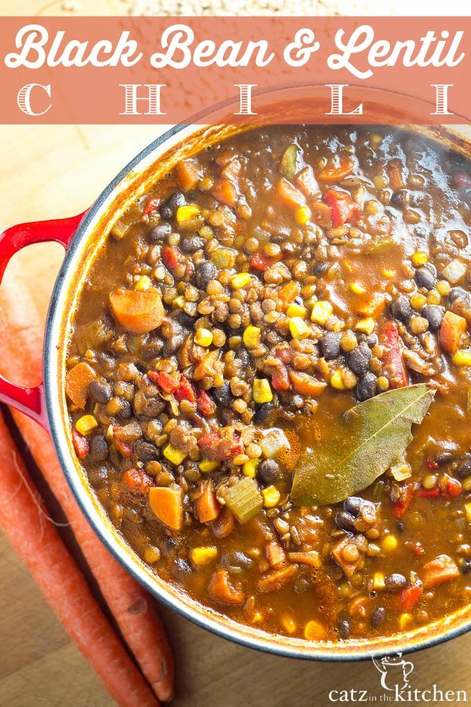 Black Bean & Lentil Chili   Catz in the Kitchen   catzinthekitchen.com #chili
