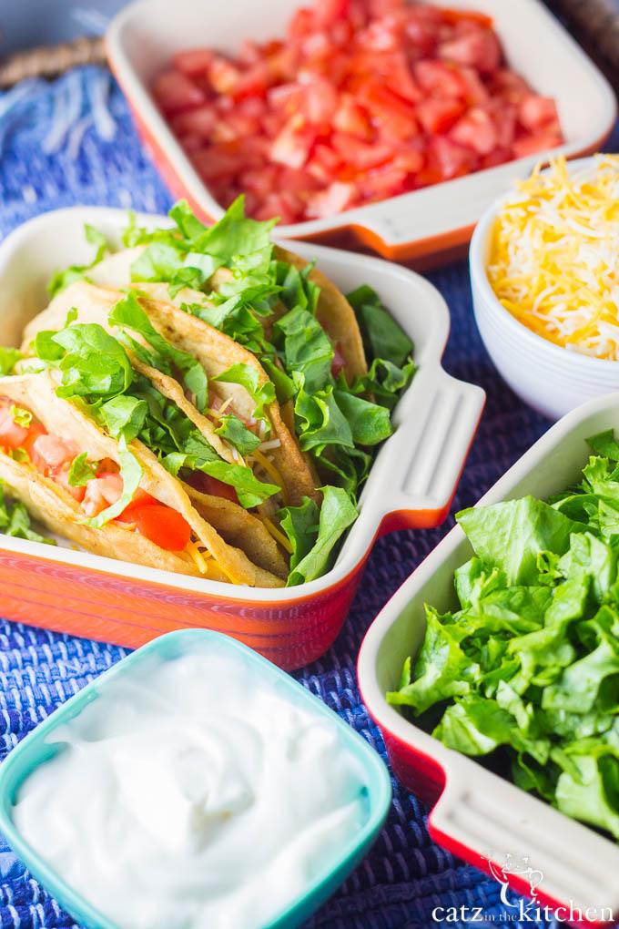Crispy Chicken Tacos | Catz in the Kitchen | catzinthekitchen.com | #Mexican #chicken #tacos