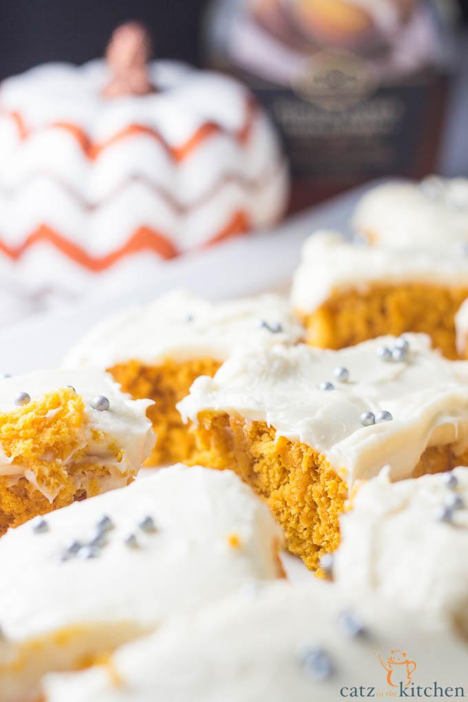 Maple Pumpkin Cake   Catz in the Kitchen   catzinthekitchen.com   #cake #fall #pumpkin