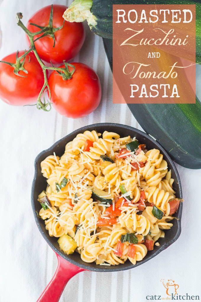 Roasted Zucchini & Tomato Pasta | Catz in the Kitchen | catzinthekitchen.com | #zucchini #pasta #fall