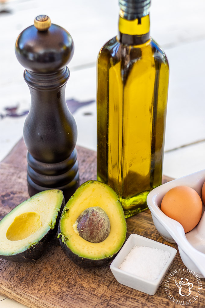 avocado and eggs ingredients