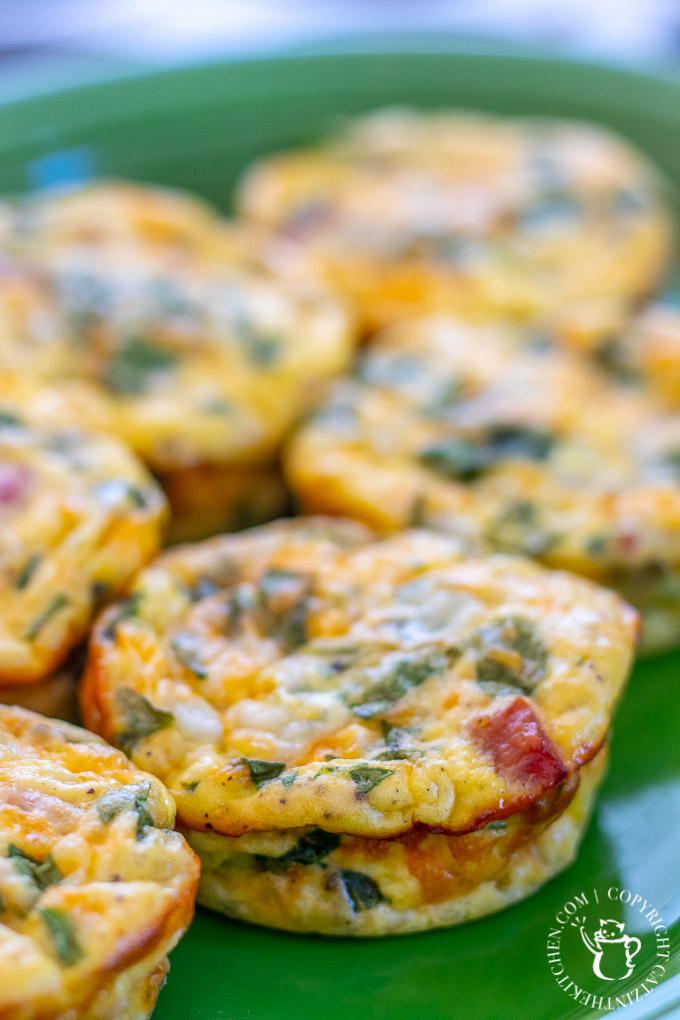 Mini Crustless Quiche with ham and cheese