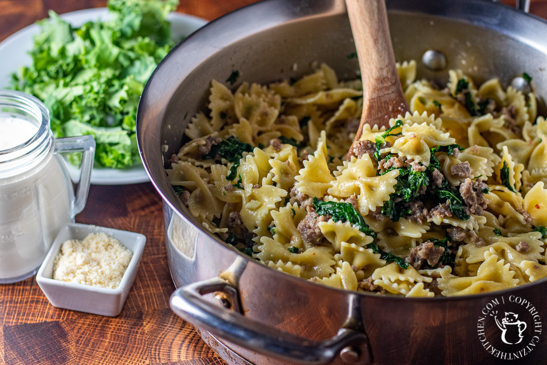 Kale & Sausage Pasta ingredients